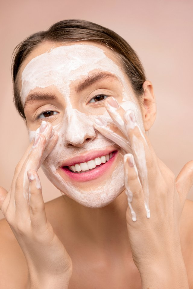 What's The Difference Between a Foaming Cleanser and a Cream Cleanser article image b y Mayerling Skincare