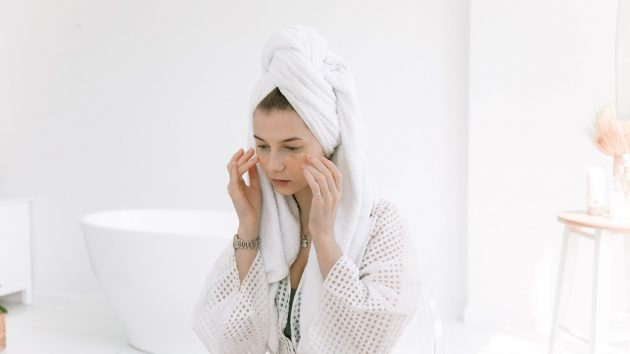 Your Ultimate Guide to Safely Exfoliating Your Skin article image by Mayerlingskincare.com